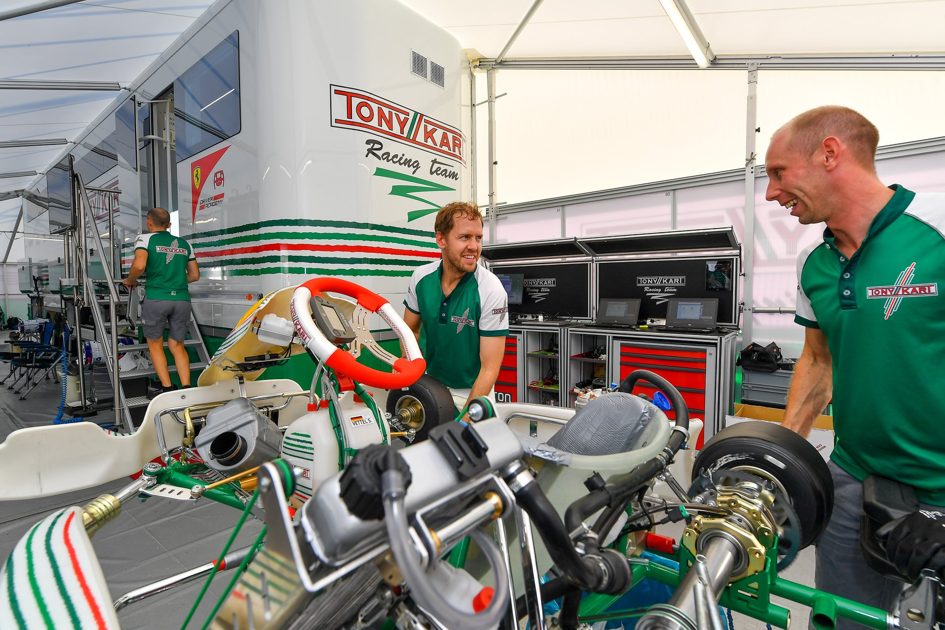 Sebastian_Vettel_testing_Tony_Kart_0016