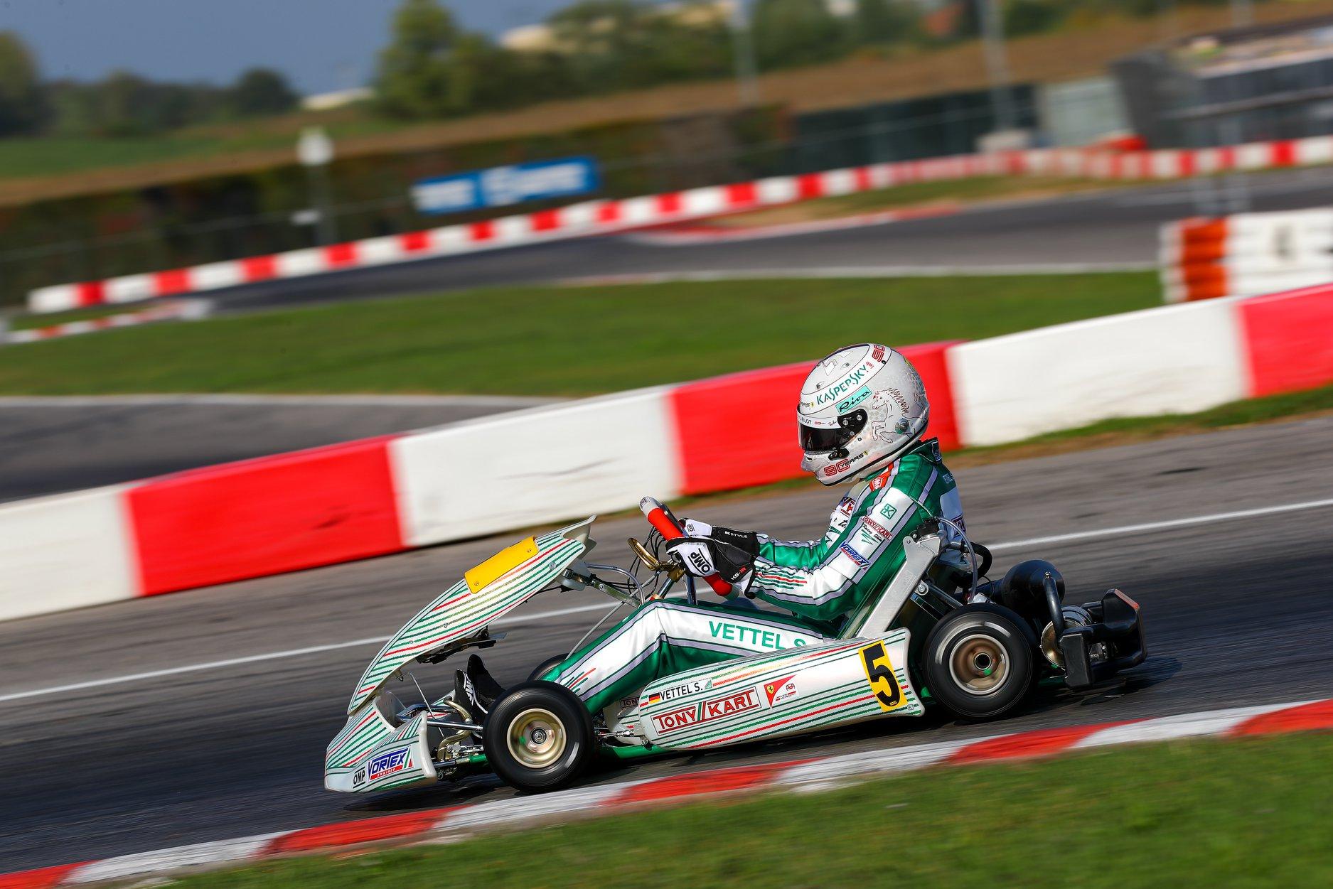 Sebastian_Vettel_testing_Tony_Kart_0017