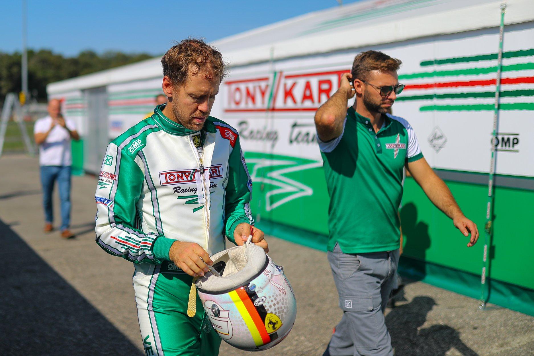 Sebastian_Vettel_testing_Tony_Kart_0021