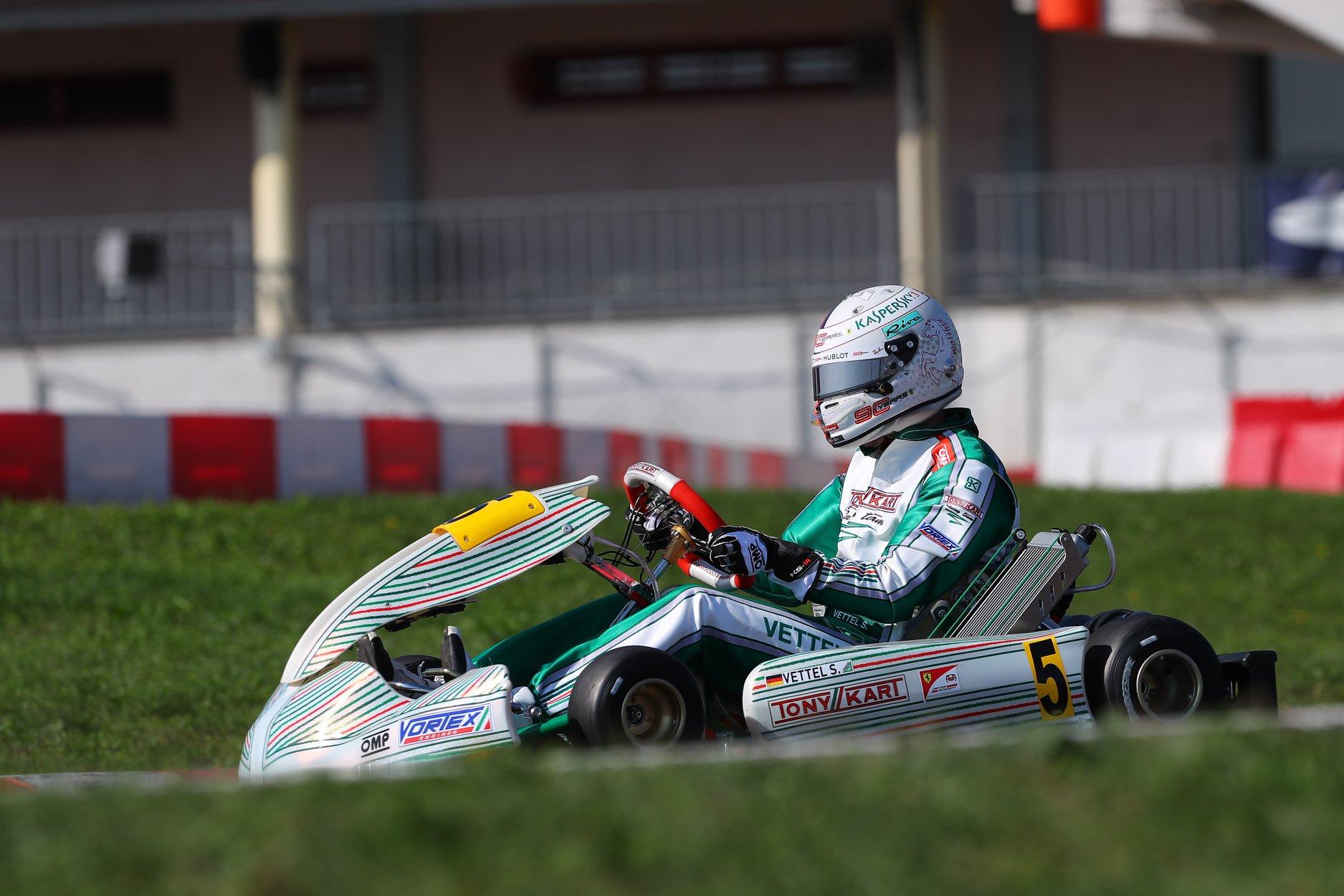 Sebastian_Vettel_testing_Tony_Kart_0022