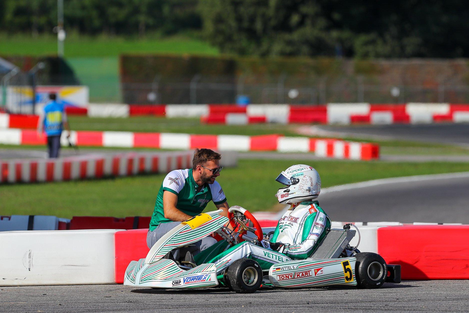 Sebastian_Vettel_testing_Tony_Kart_0023