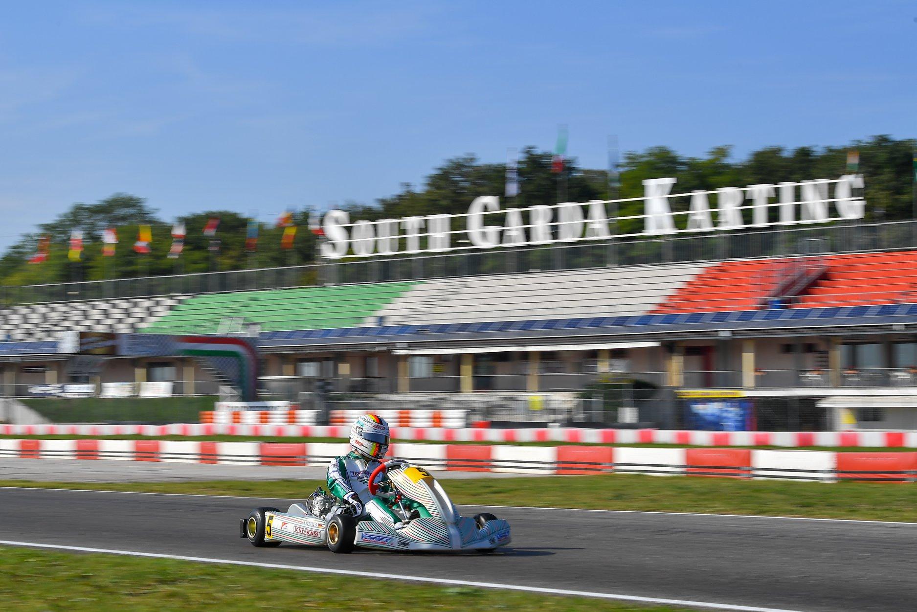 Sebastian_Vettel_testing_Tony_Kart_0026