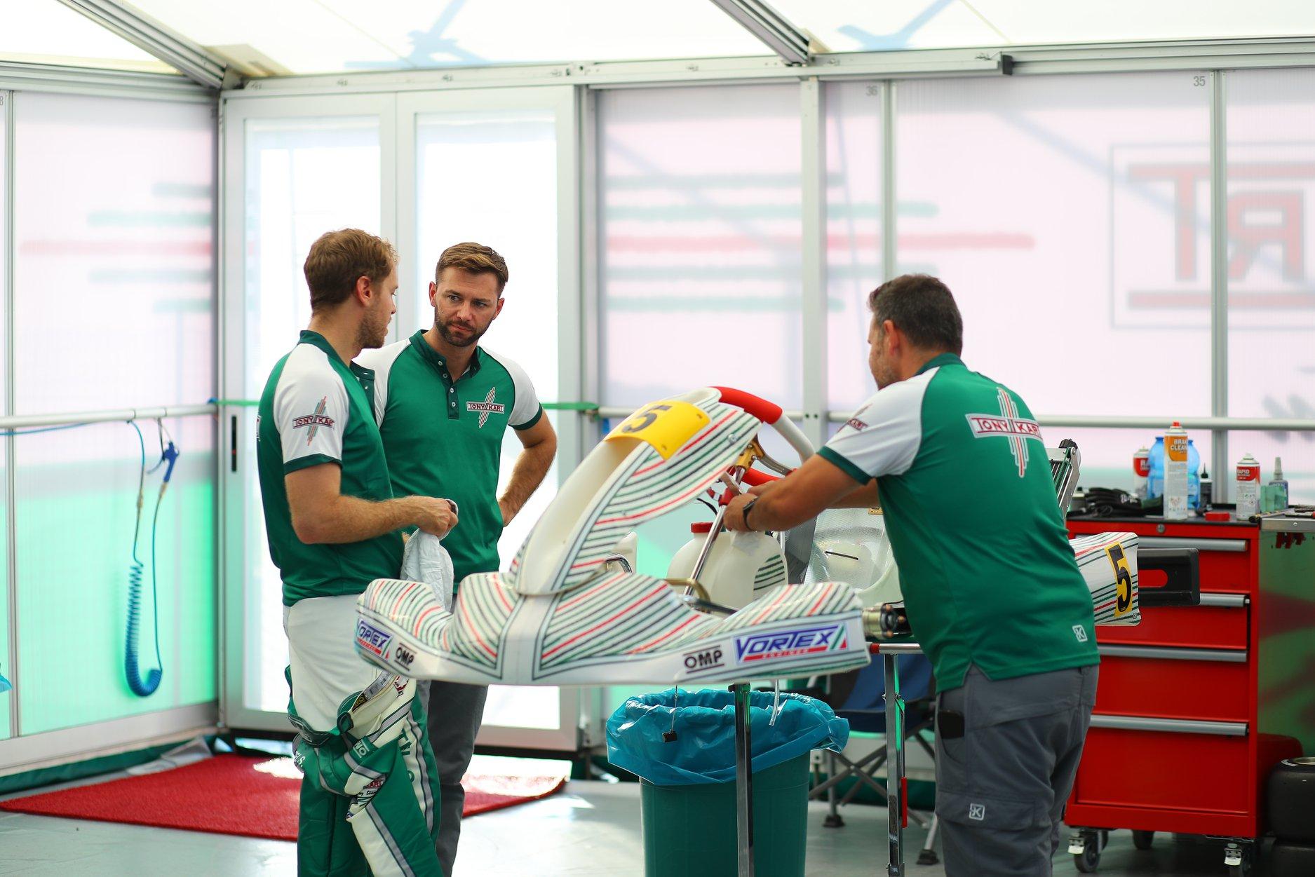 Sebastian_Vettel_testing_Tony_Kart_0027