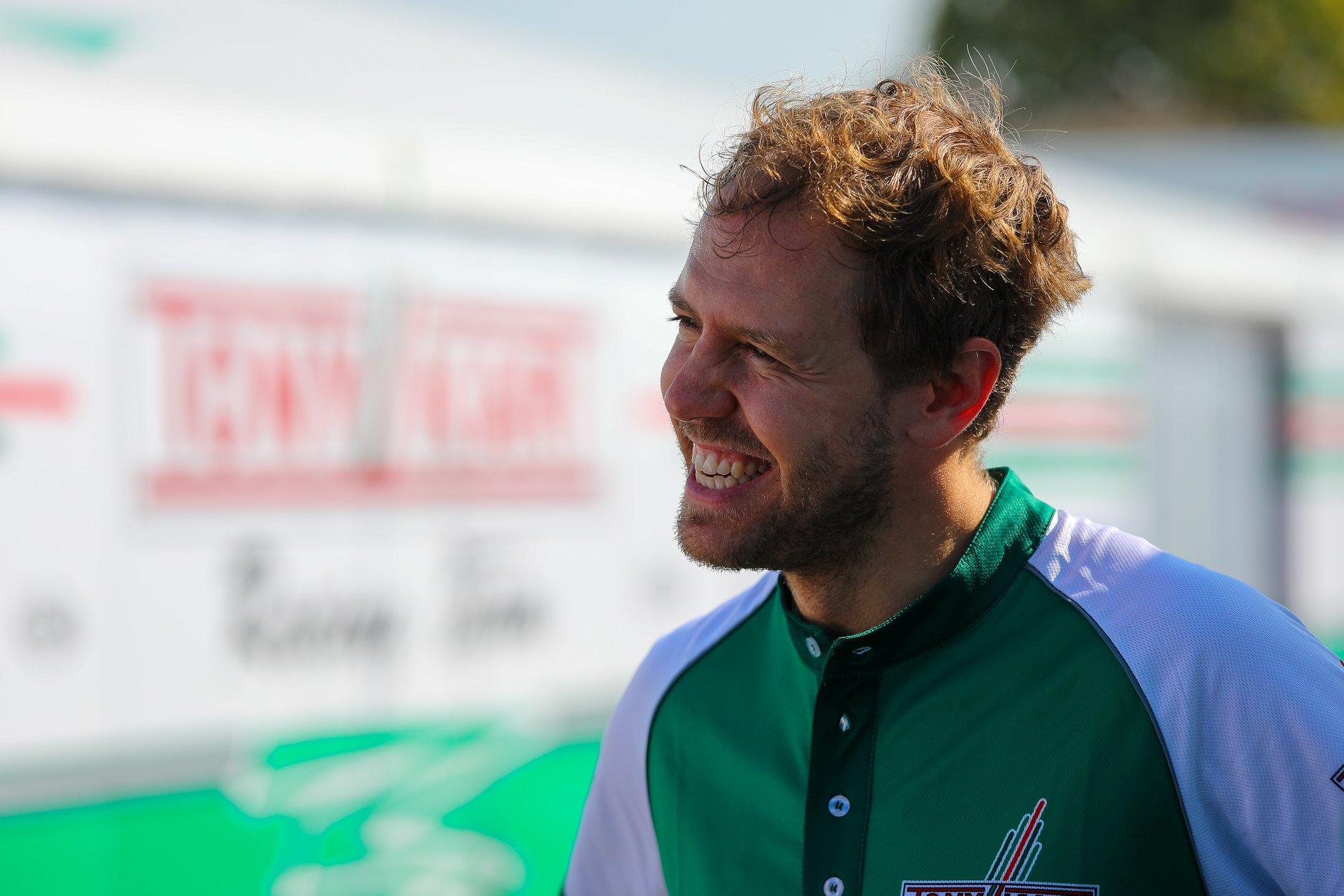 Sebastian_Vettel_testing_Tony_Kart_0028