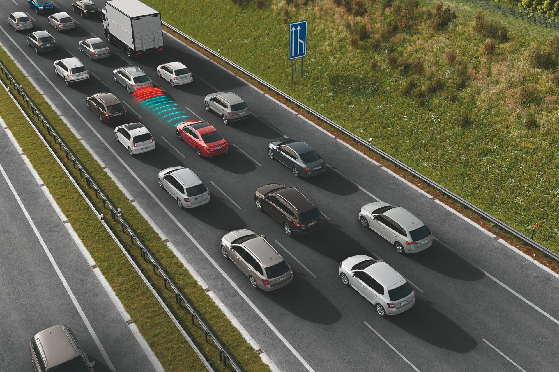 10_TrafficJamAssist