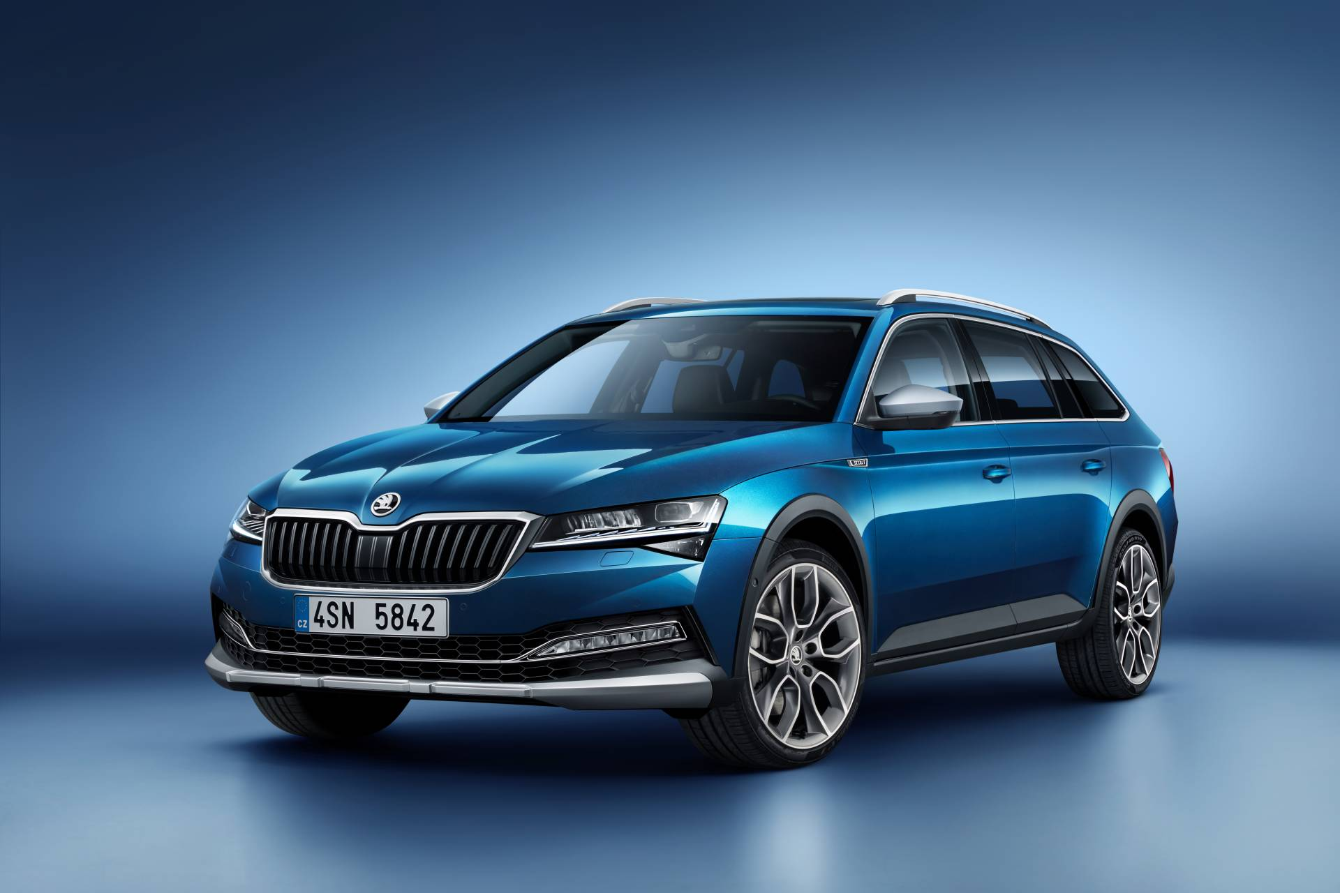 d7b84941-skoda-superb-scout-7