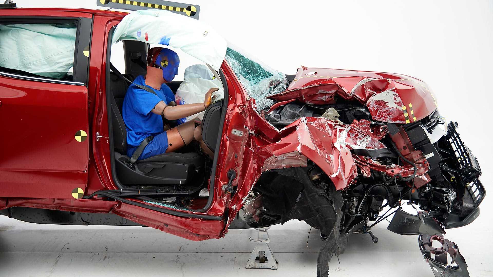 2019-chevrolet-colorado-crew-cab-crash-test (2)