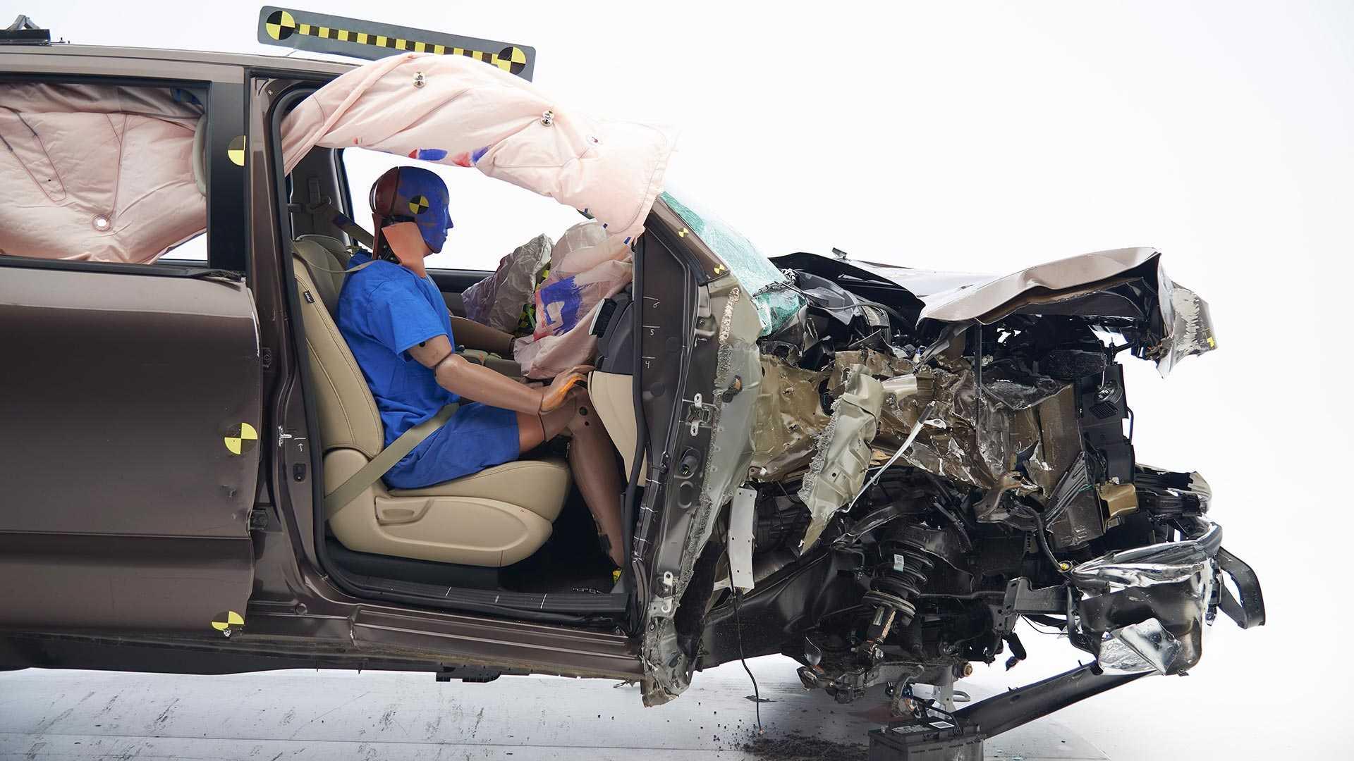 2019-nissan-titan-crew-cab-crash-test (2)
