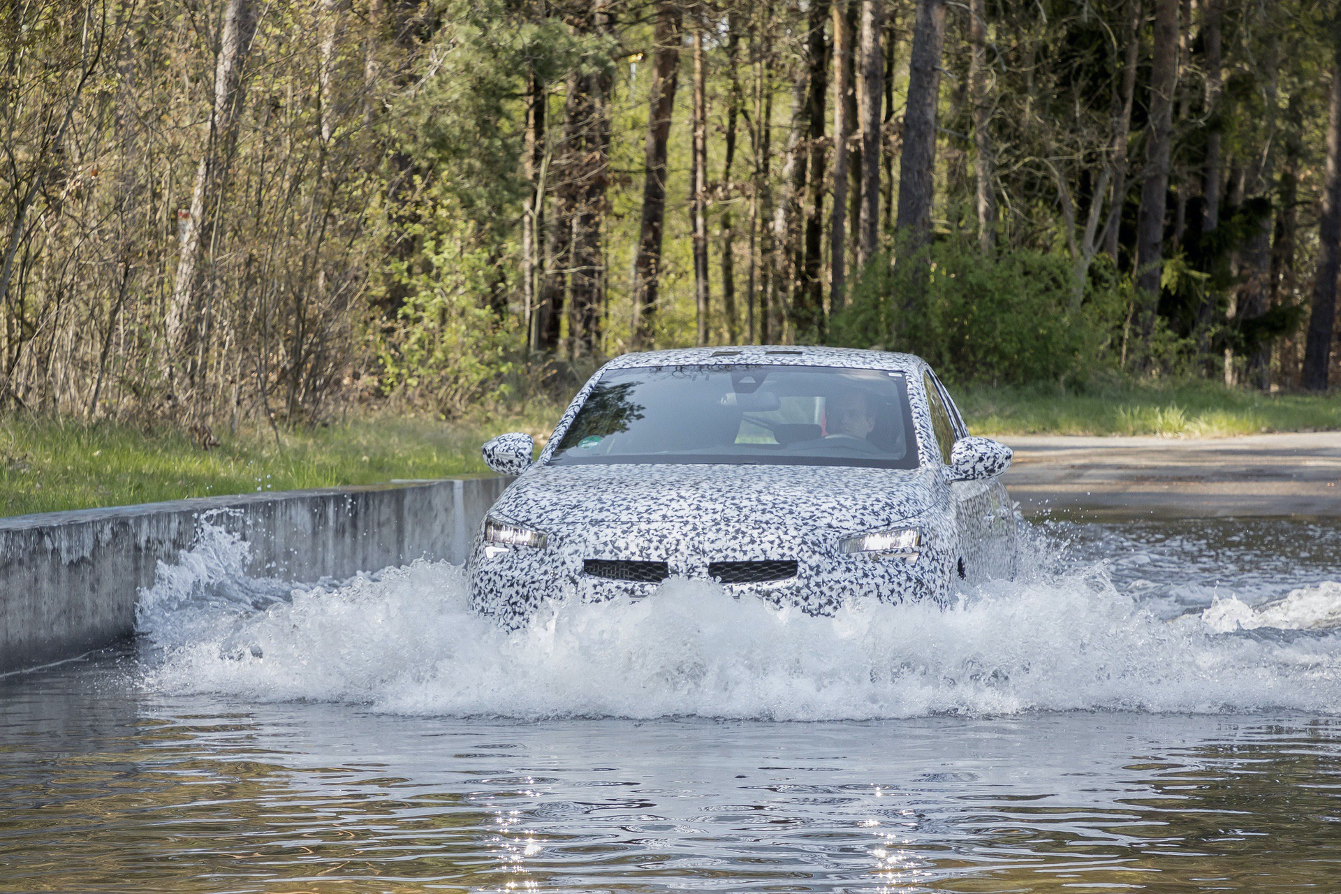 New Corsa test drives at Test Center Rodgau-Dudehofen, April 2019
