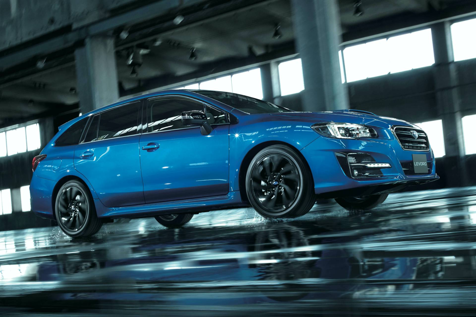 Subaru-Levorg-2.0GT-EyeSight-V-Sport-3