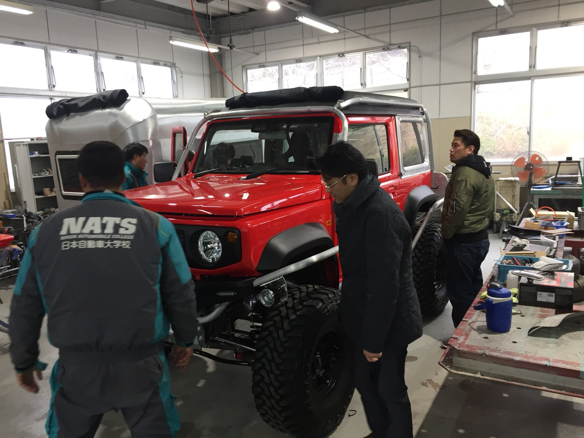 Suzuki-Jimny-Monster-Truck-11