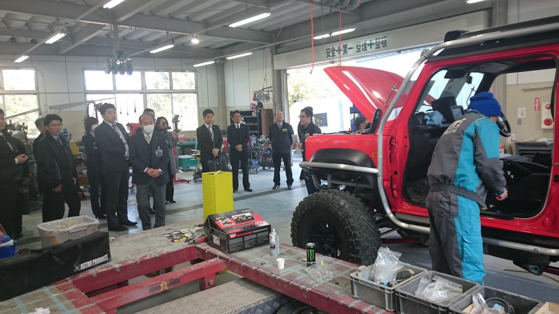 Suzuki-Jimny-Monster-Truck-7