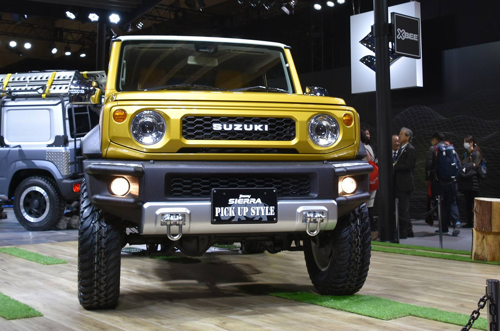 Suzuki Jimny Sierra Pickup Style concept and Jimny Survive concept (1)