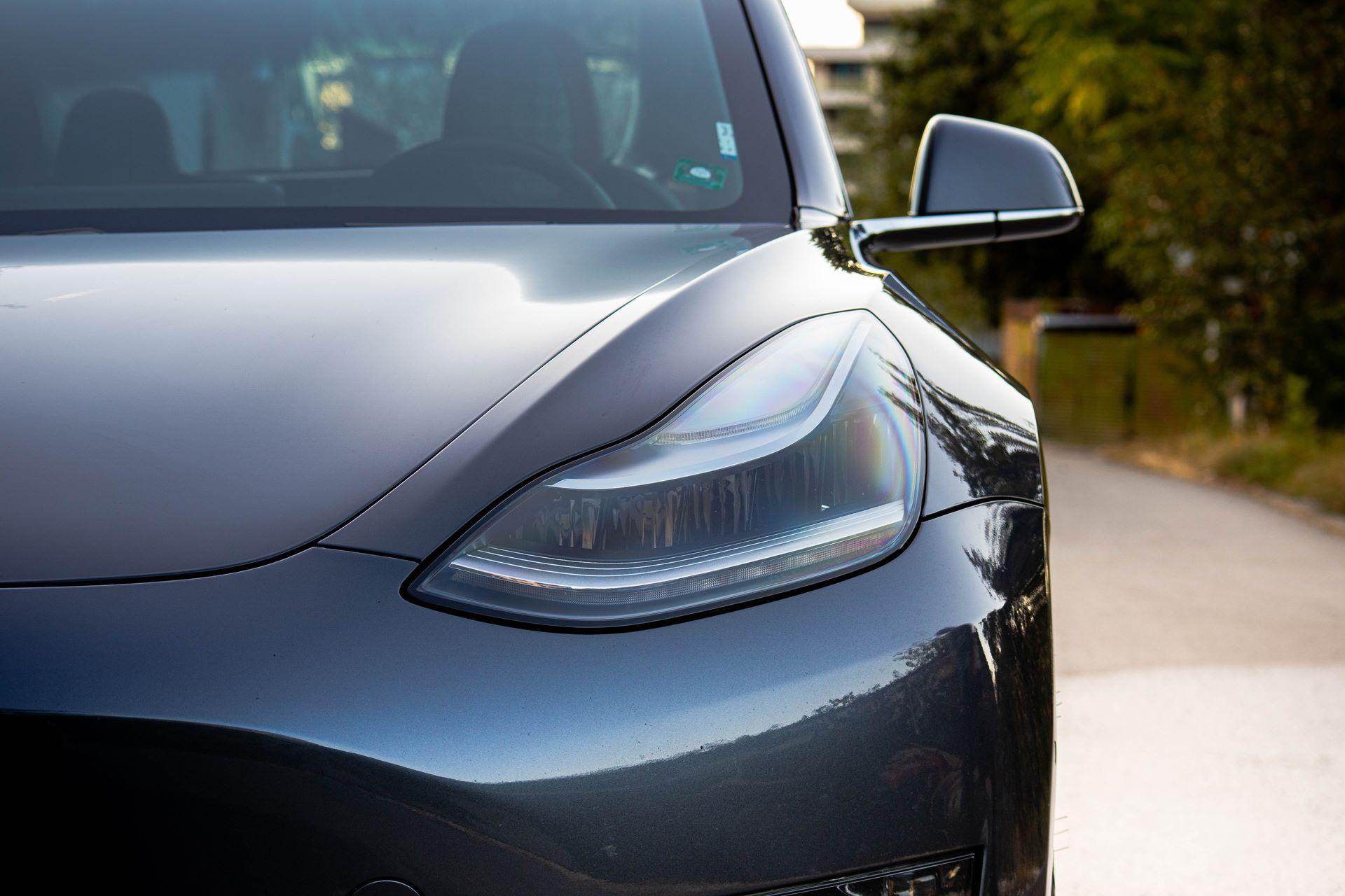Tesla-Model-3-by-Vilner-17