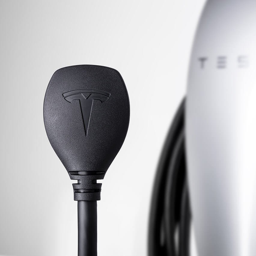 Tesla portable home faast charger (3)