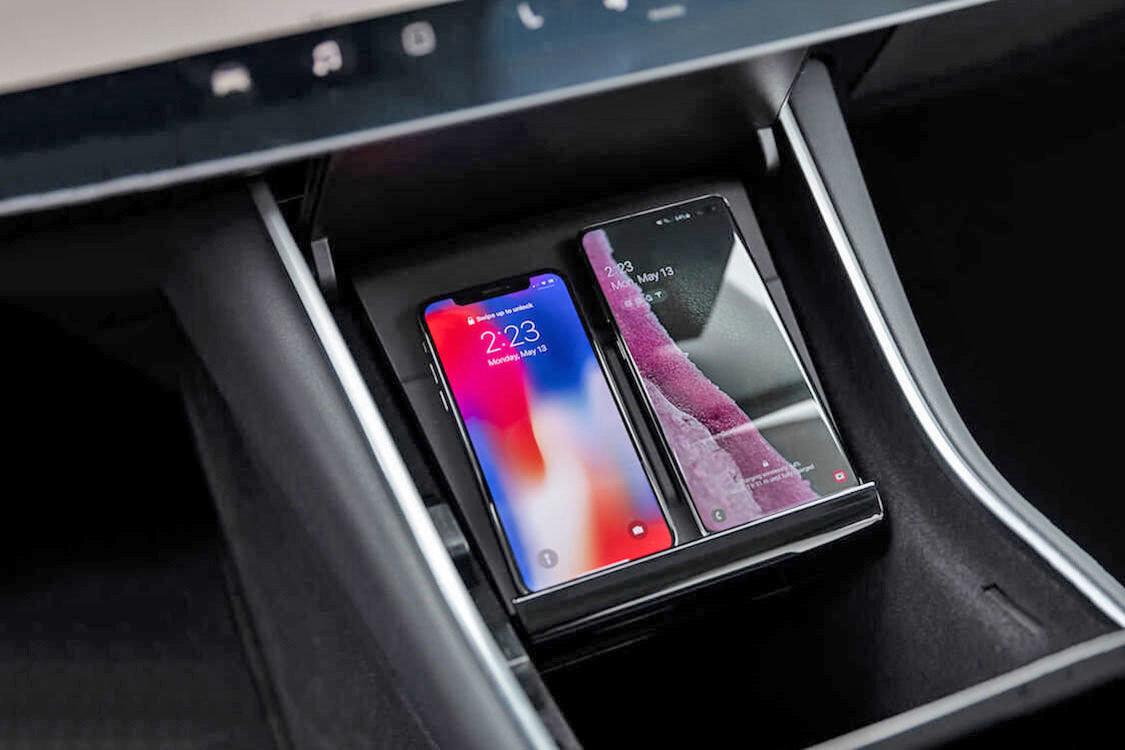 Tesla_wireless_charging_Model-3_0000