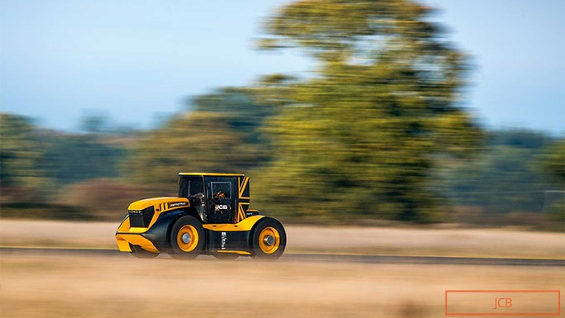 the-world-s-fastest-tractor-1