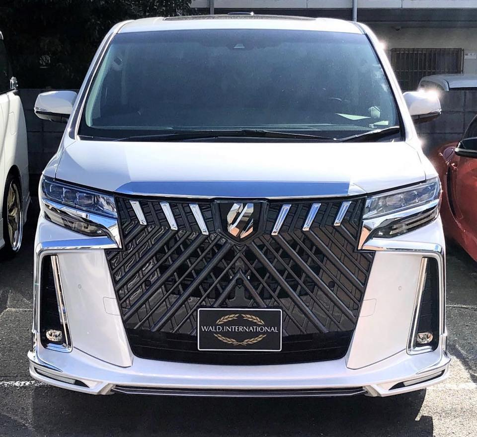 Toyota-Alphard-by-Wald-International-19