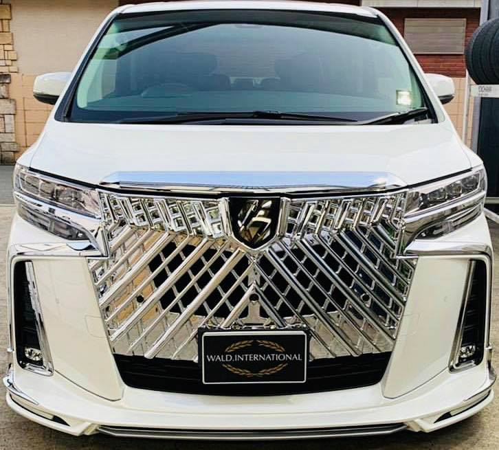 Toyota-Alphard-by-Wald-International-20