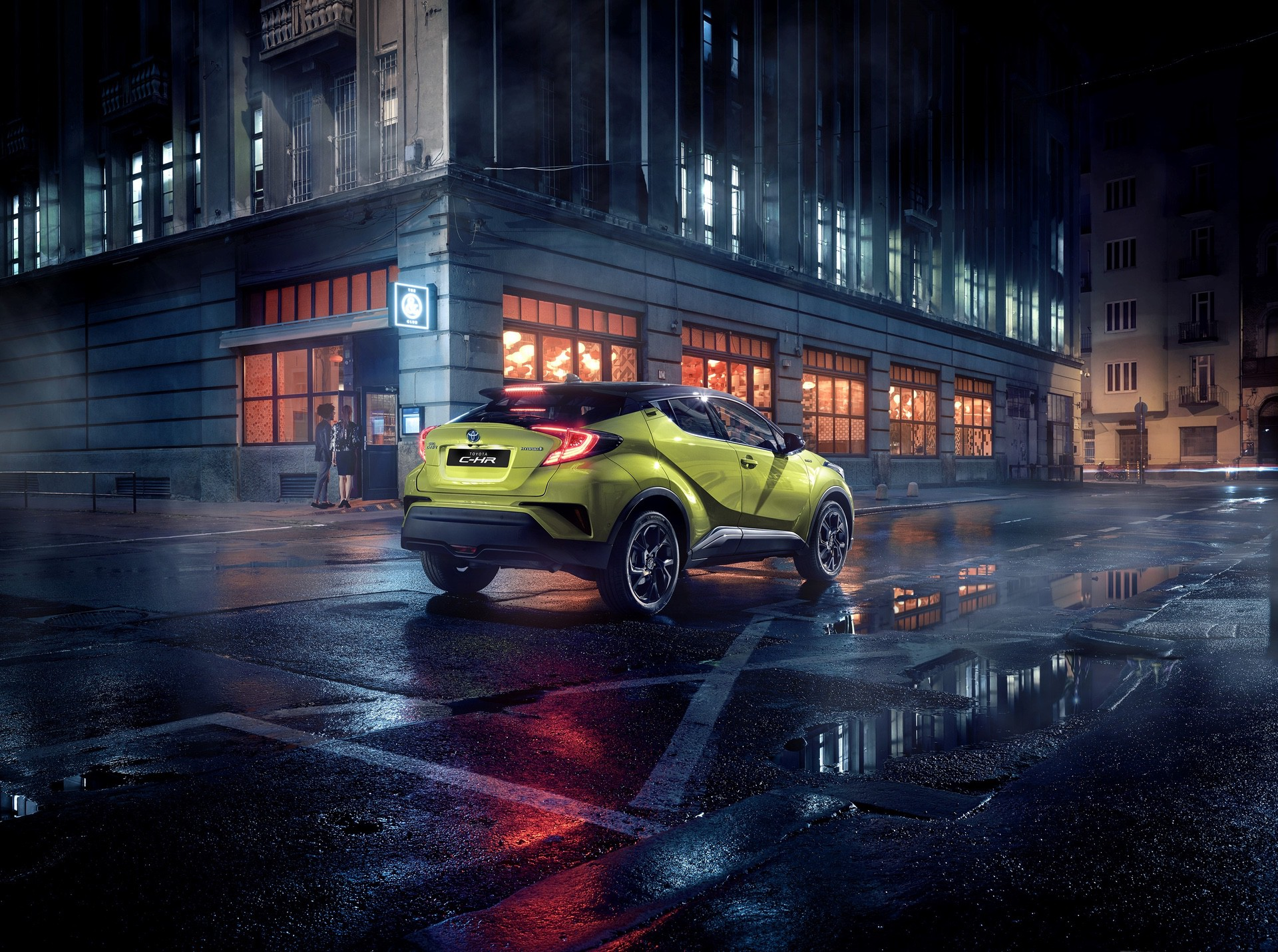 Toyota_C-HR_Neon_Lime_0003