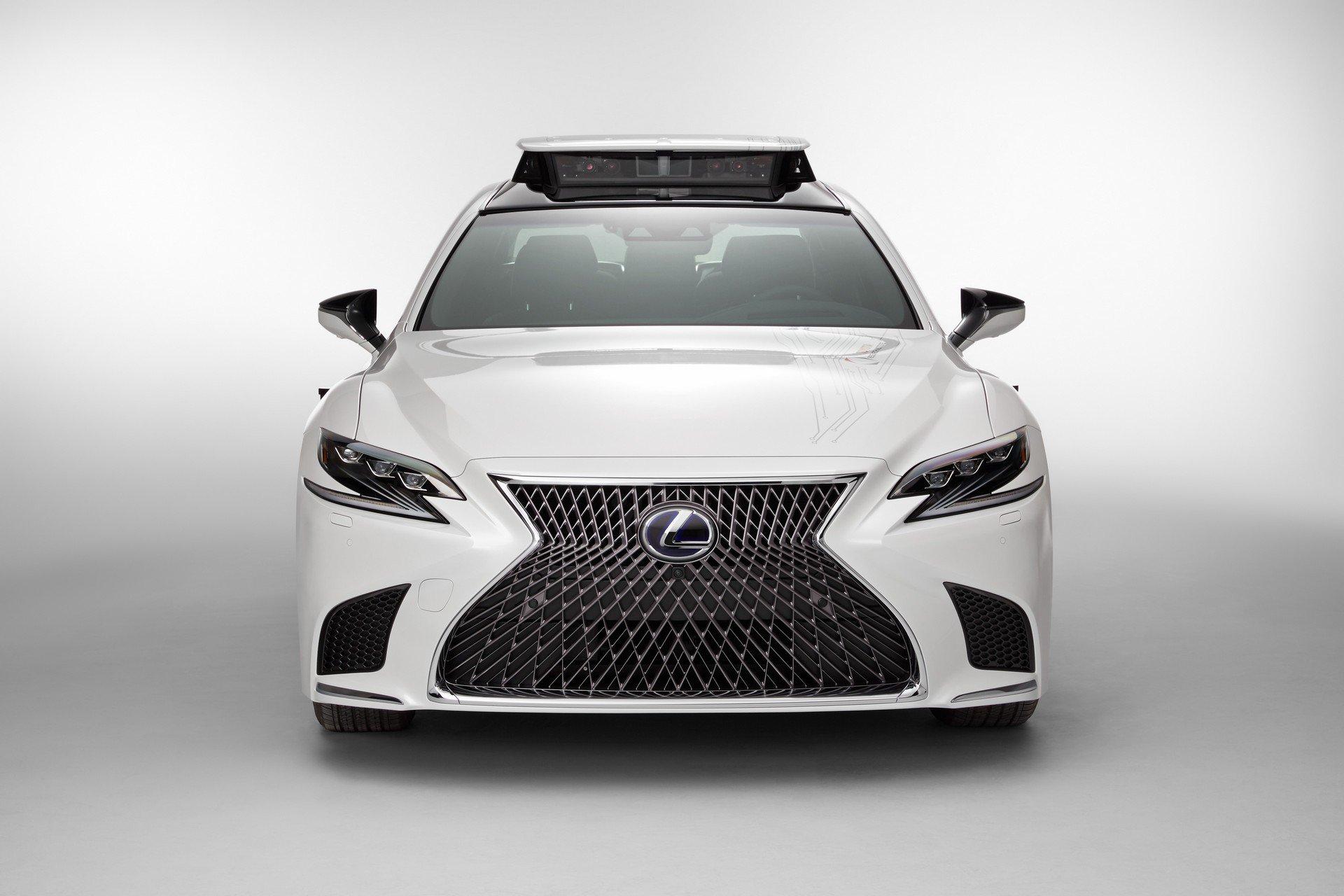 Toyota CES Lexus LS500h TRI-P4 autonomous (1)