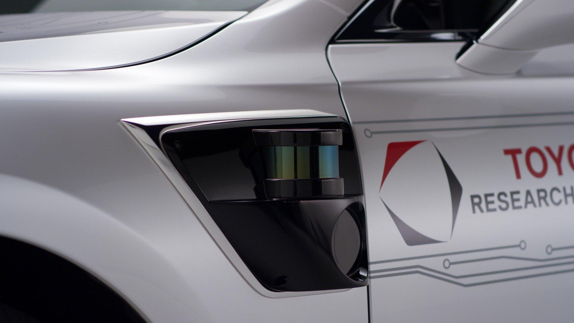Toyota CES Lexus LS500h TRI-P4 autonomous (11)