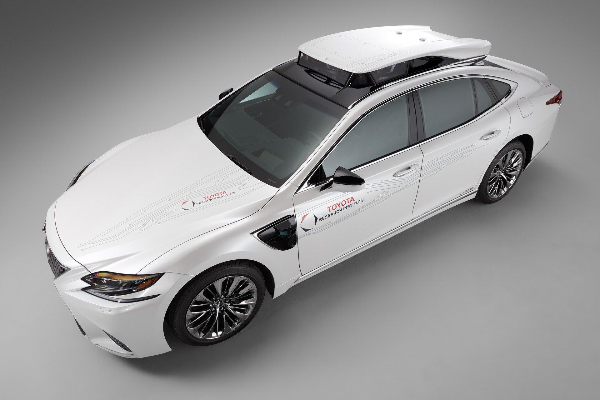Toyota CES Lexus LS500h TRI-P4 autonomous (4)
