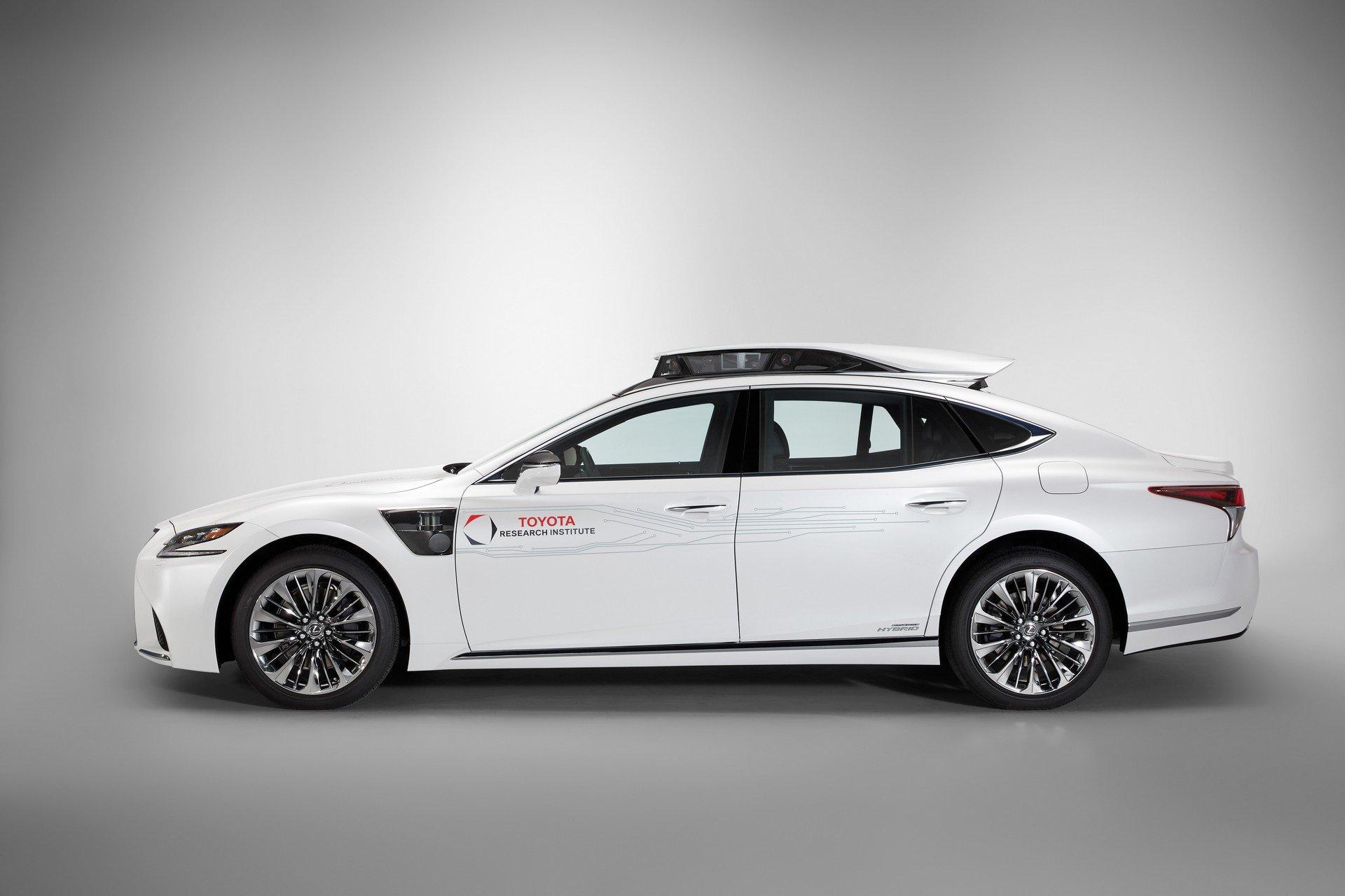 Toyota CES Lexus LS500h TRI-P4 autonomous (5)