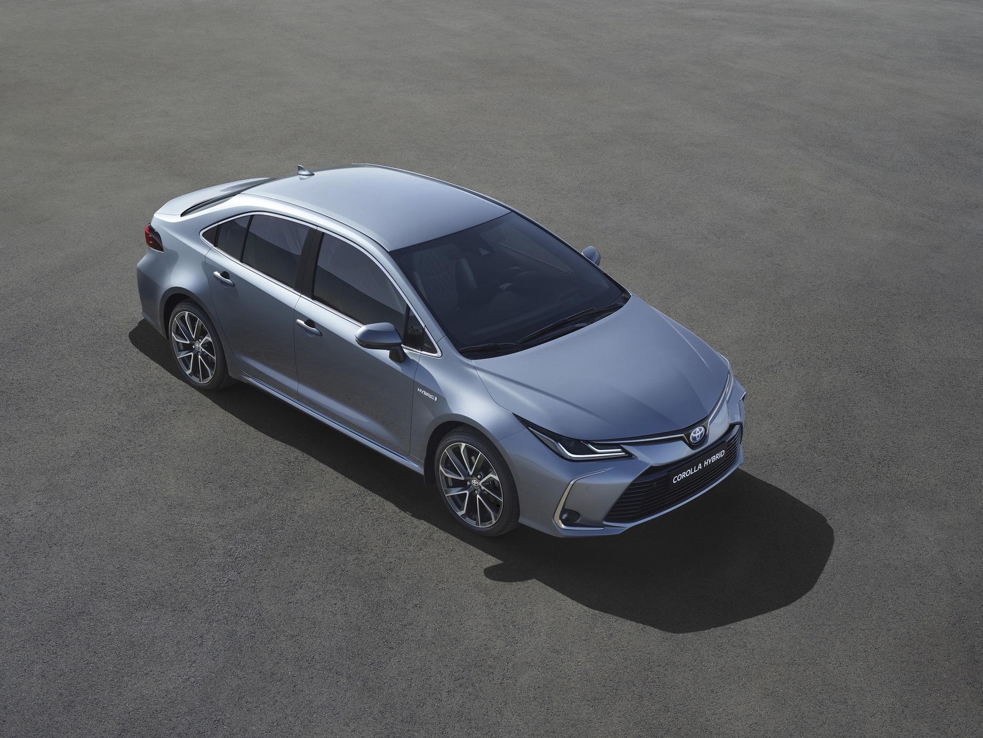 2019_Toyota_Corolla_Sedan_01