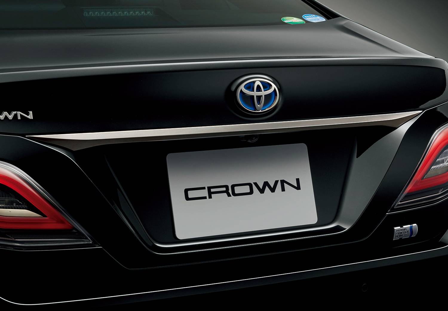 Toyota-Crown-Sport-Style-10