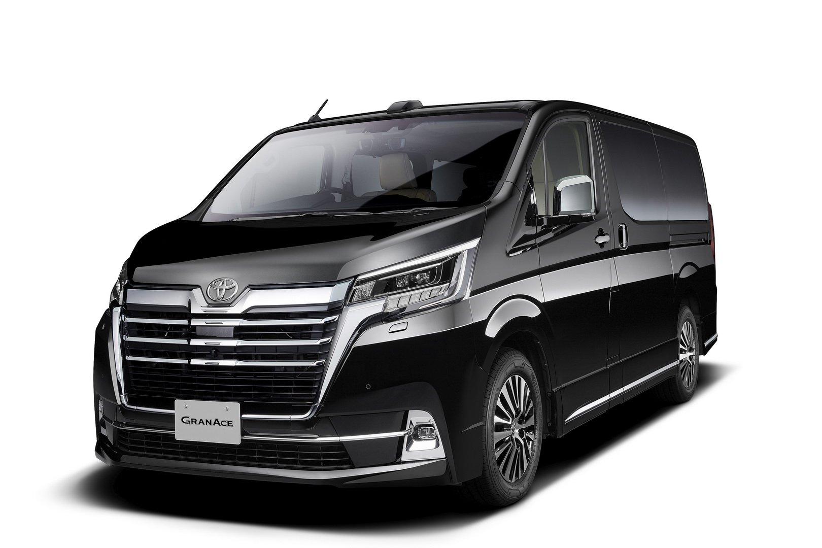 Toyota-GranAce-2020-2