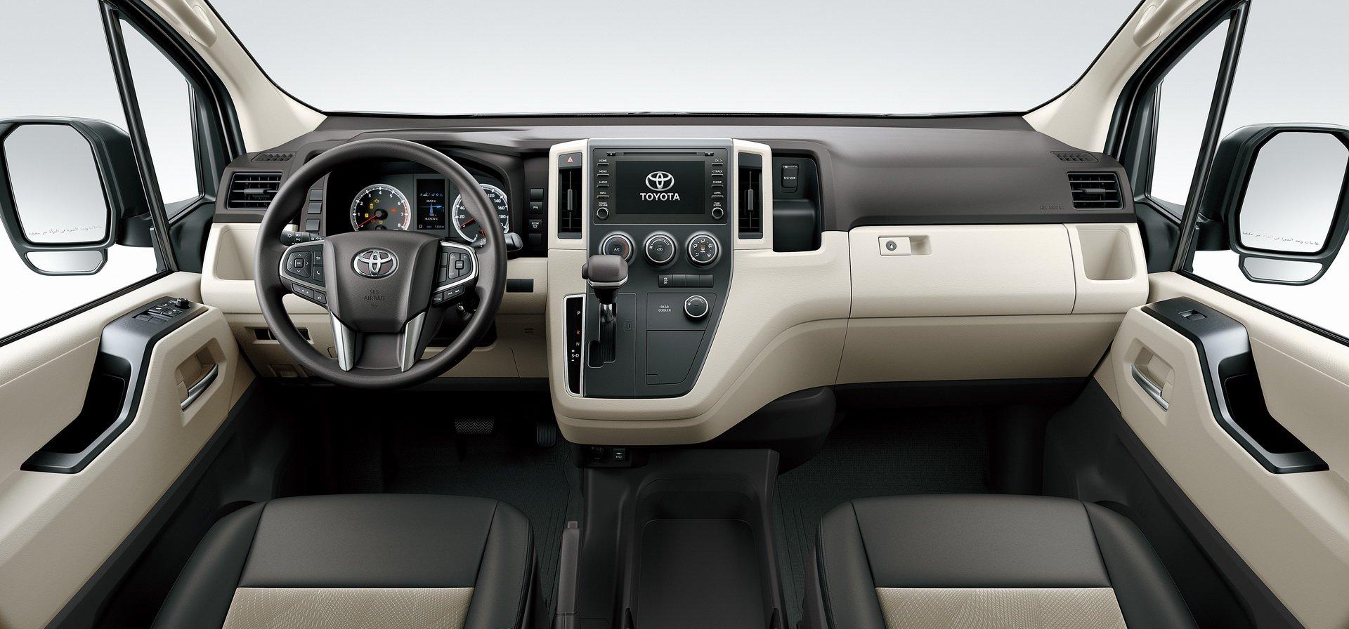 Toyota Hiace 2019 (10)