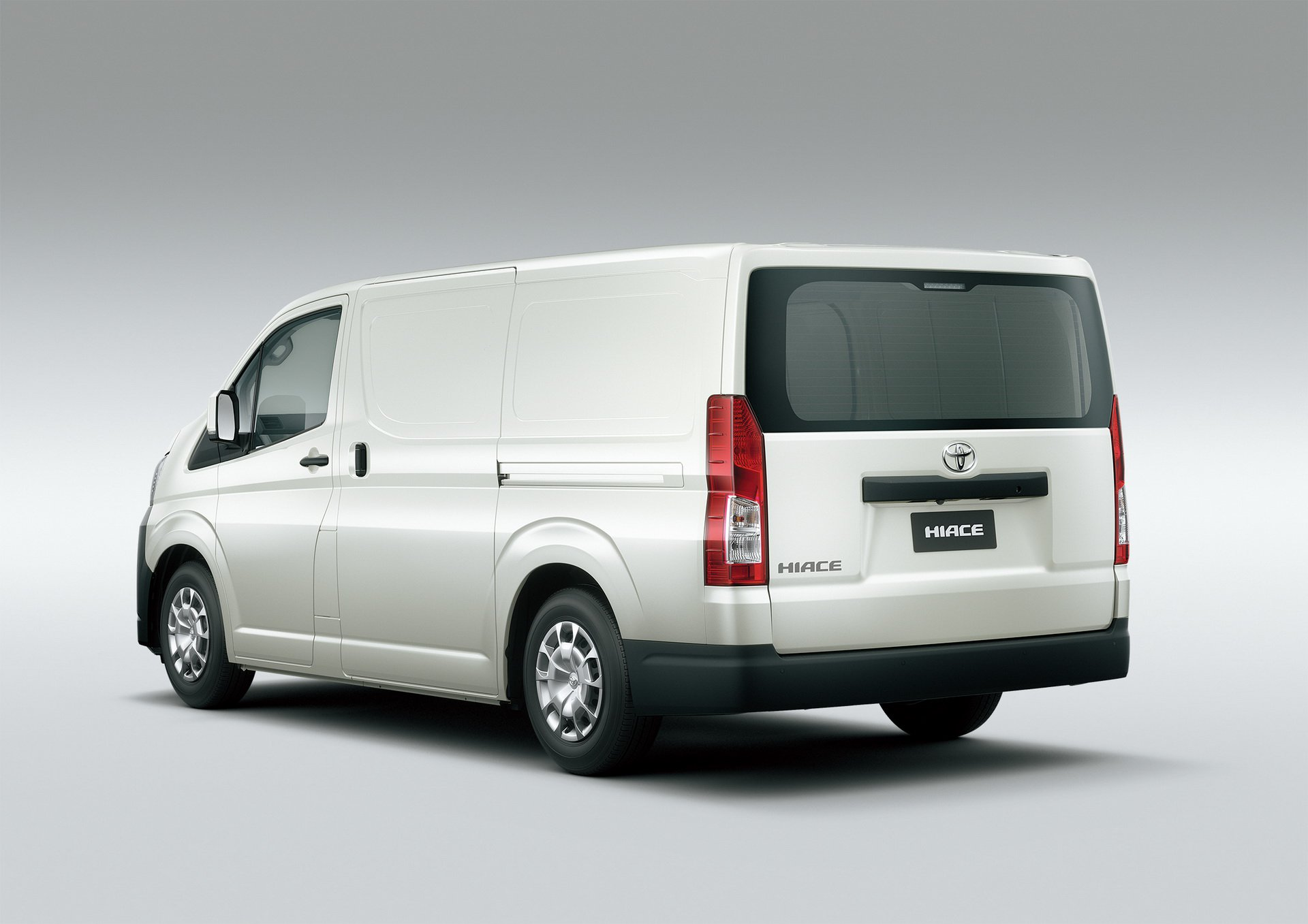 Toyota Hiace 2019 (4)