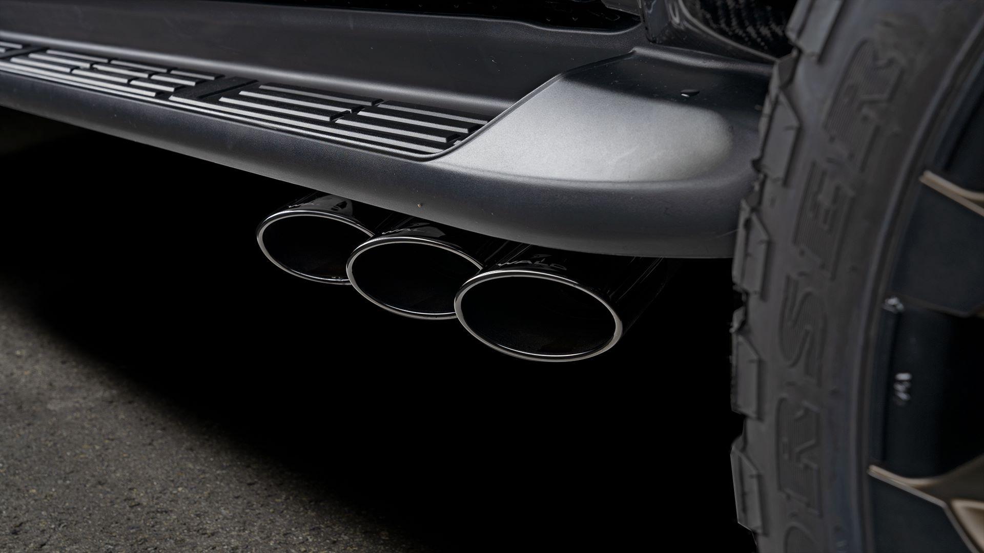 Toyota-Hilux-Black-Bison-by-Wald-International-10