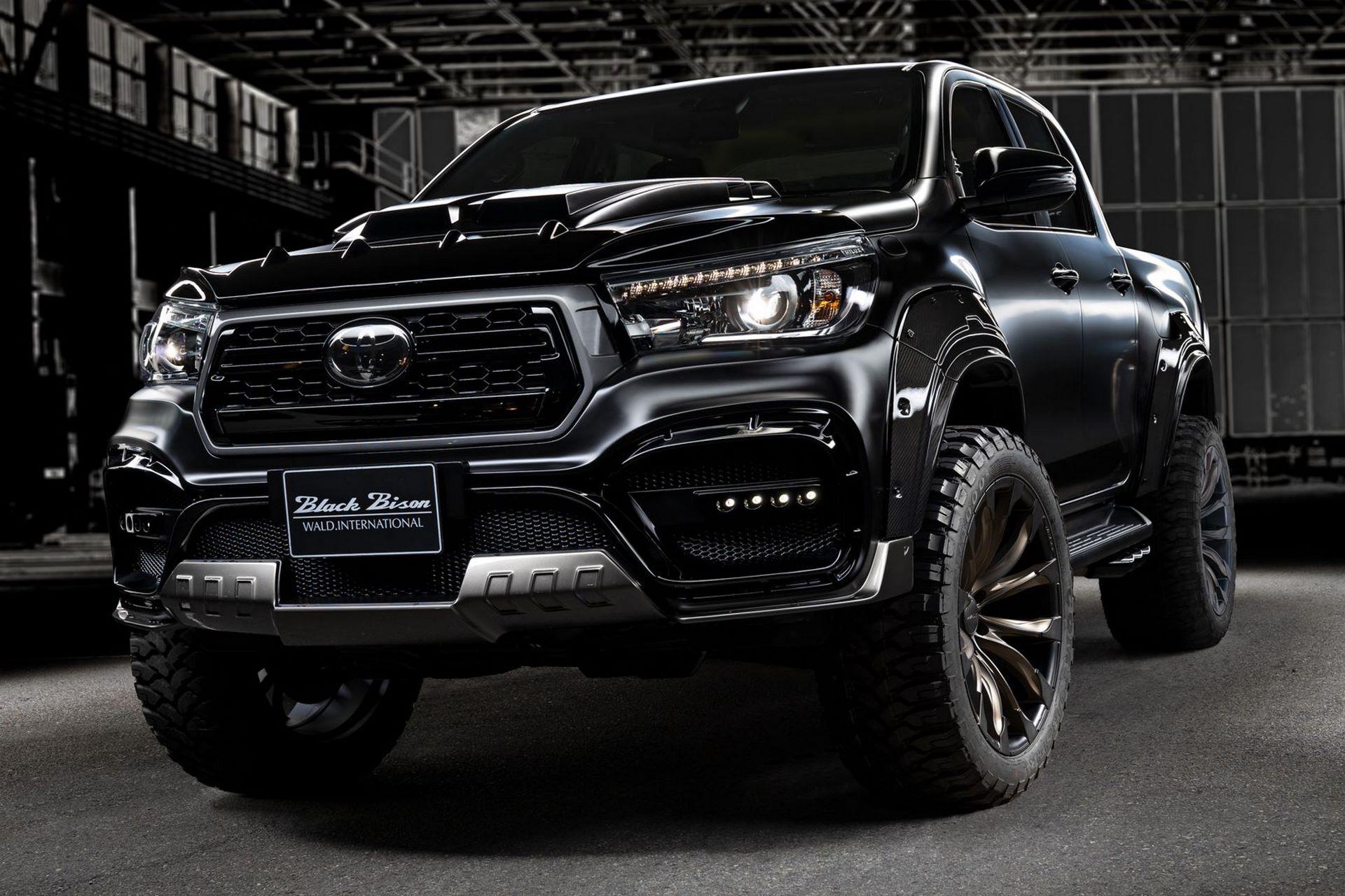 Toyota-Hilux-Black-Bison-by-Wald-International-4