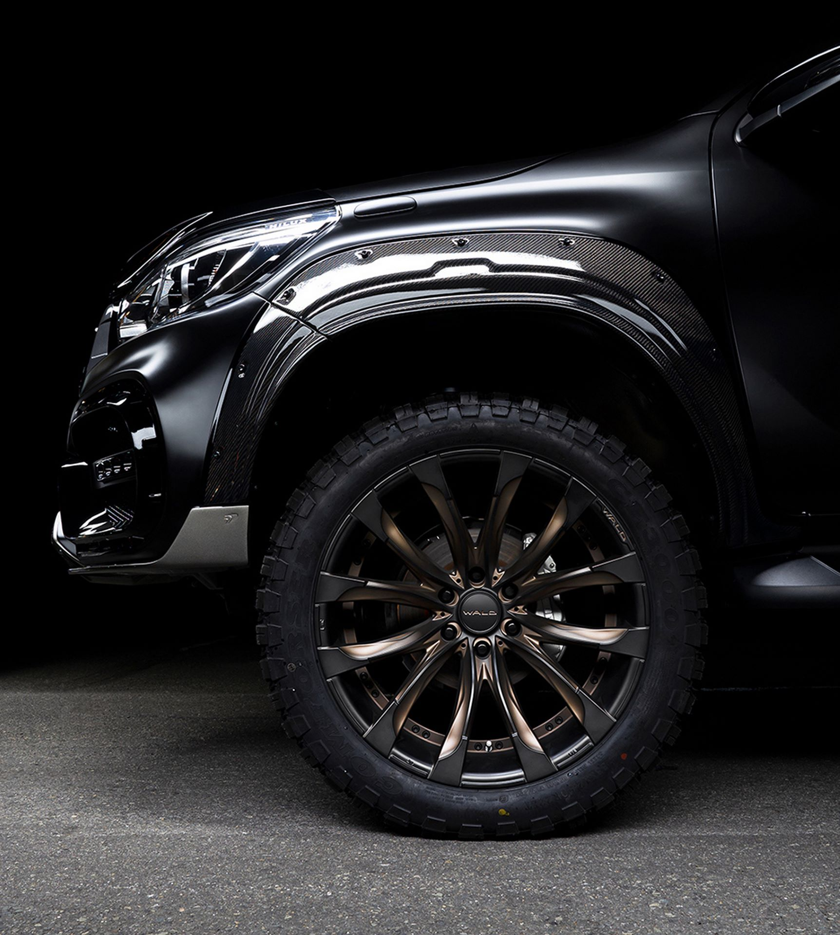 Toyota-Hilux-Black-Bison-by-Wald-International-9