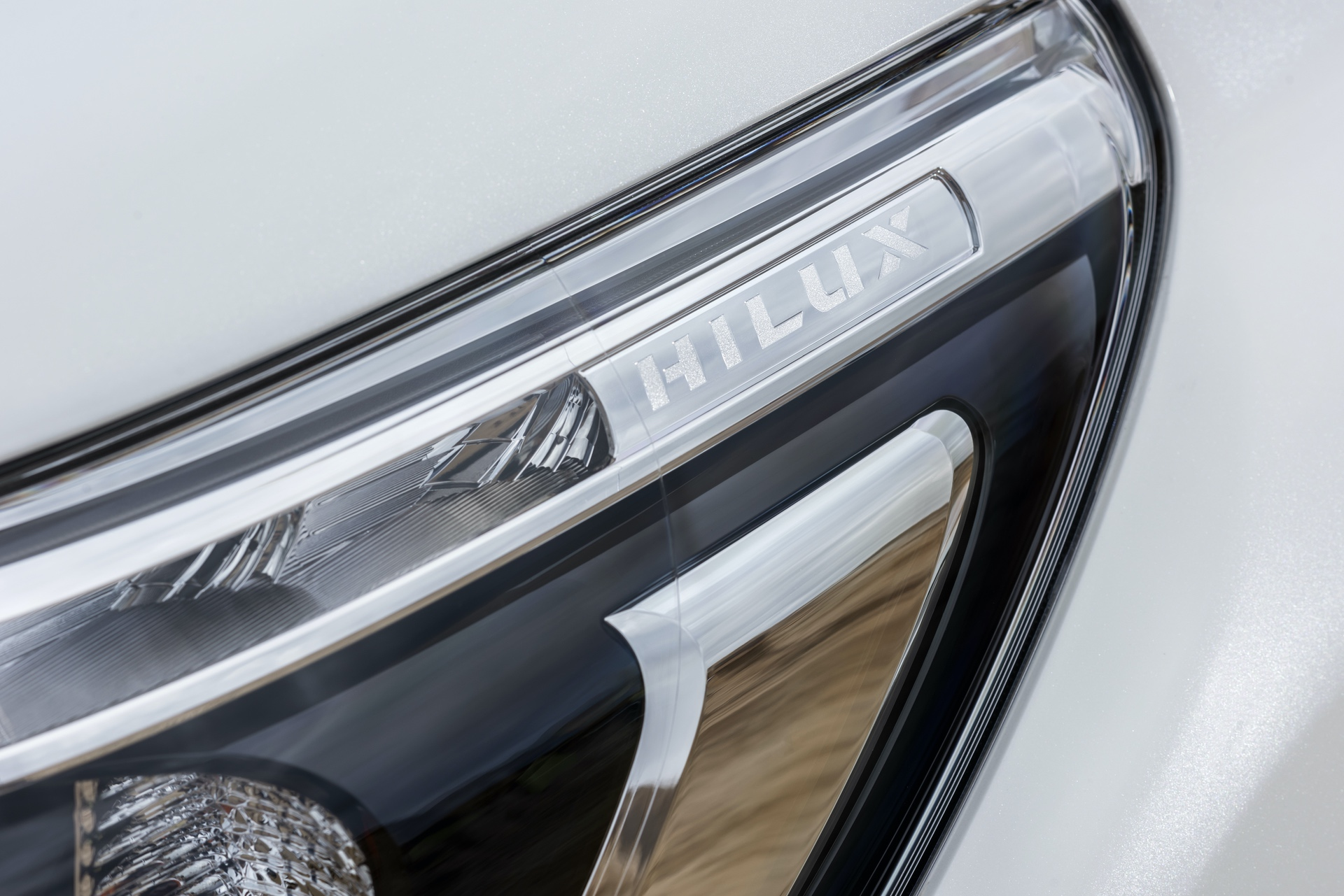 Toyota_Hilux_Special_Edition_0009