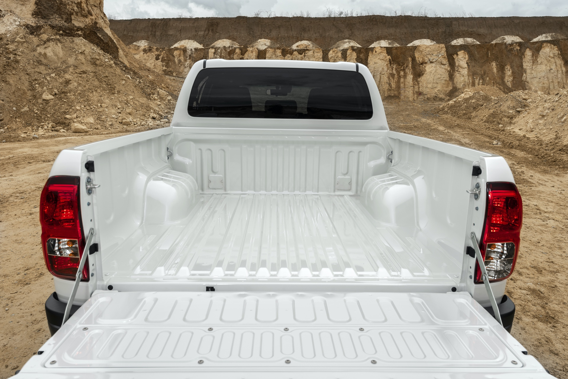 Toyota_Hilux_Special_Edition_0021