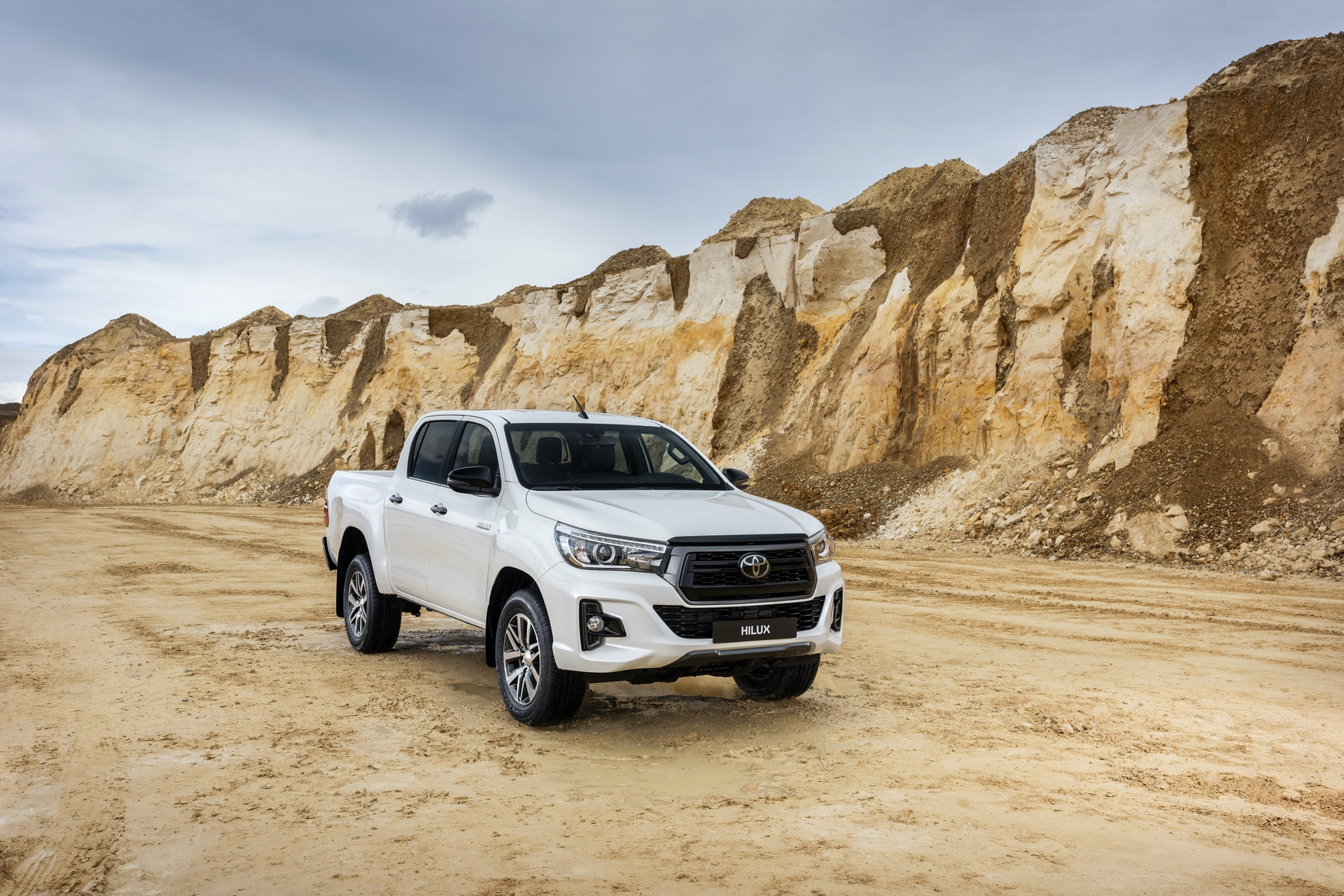 Toyota_Hilux_Special_Edition_0025