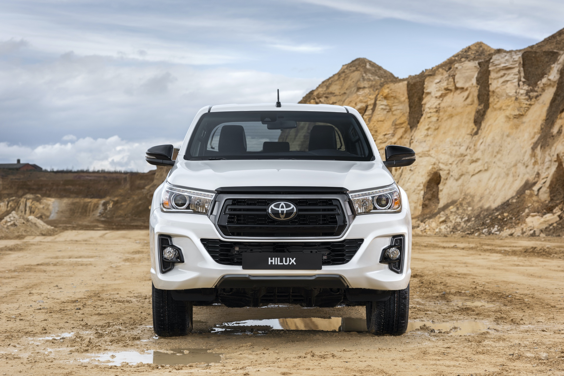 Toyota_Hilux_Special_Edition_0027