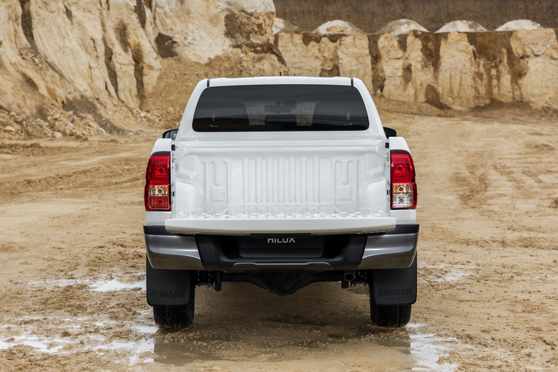 Toyota_Hilux_Special_Edition_0029