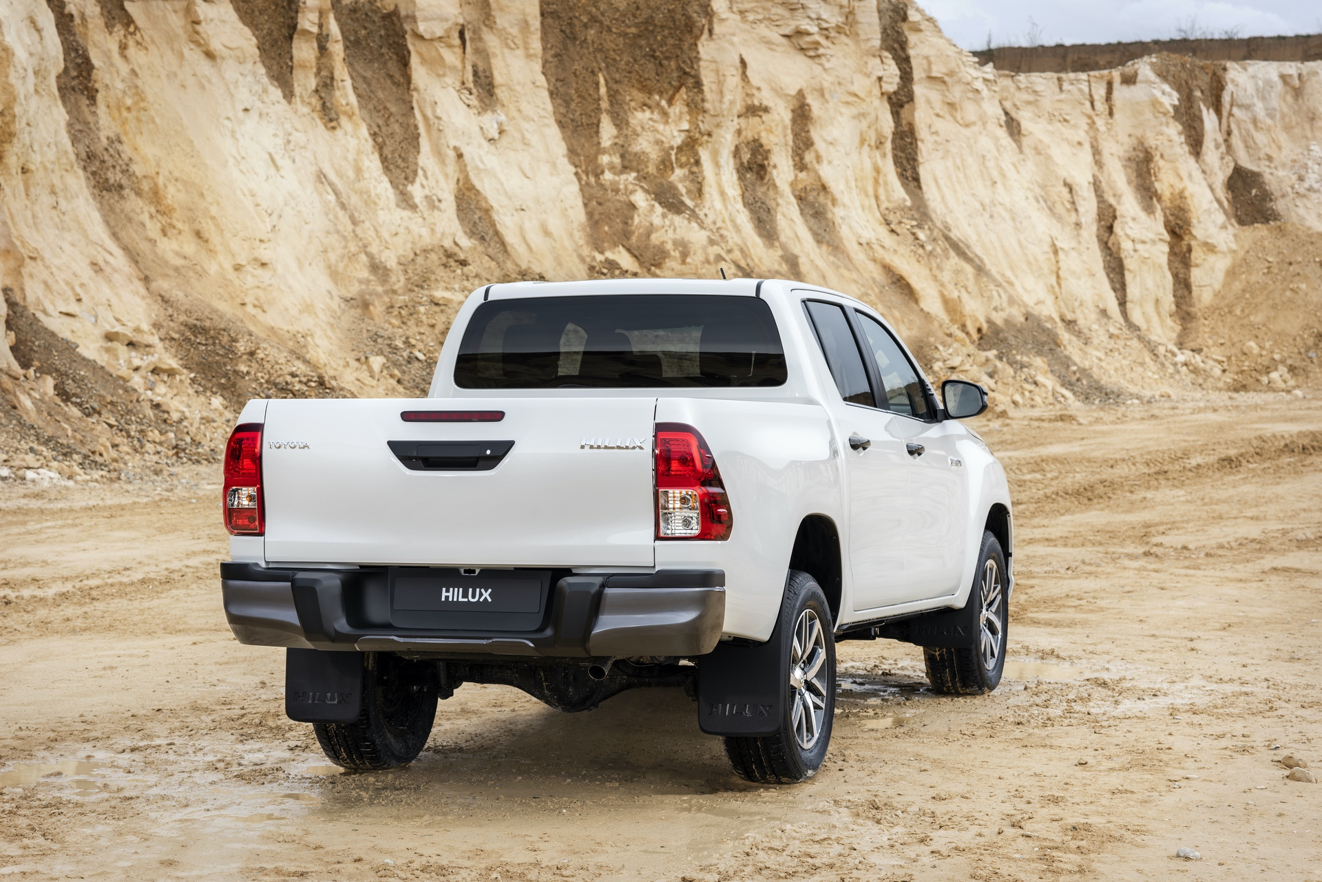 Toyota_Hilux_Special_Edition_0030