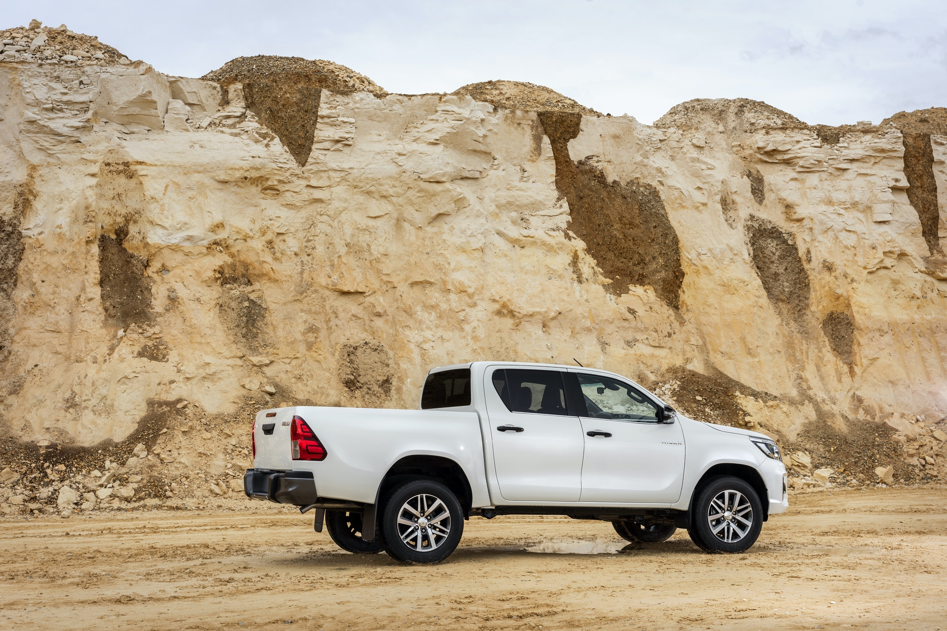 Toyota_Hilux_Special_Edition_0032