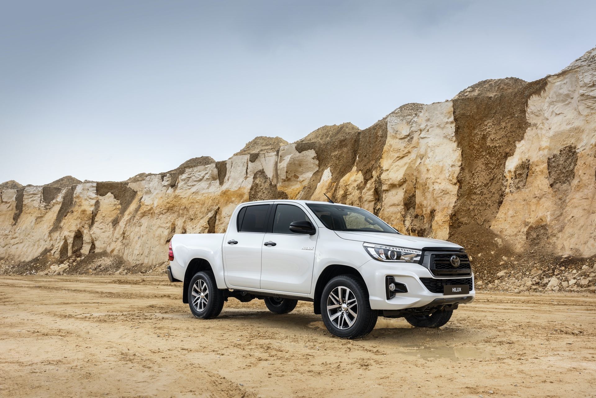 Toyota_Hilux_Special_Edition_0033