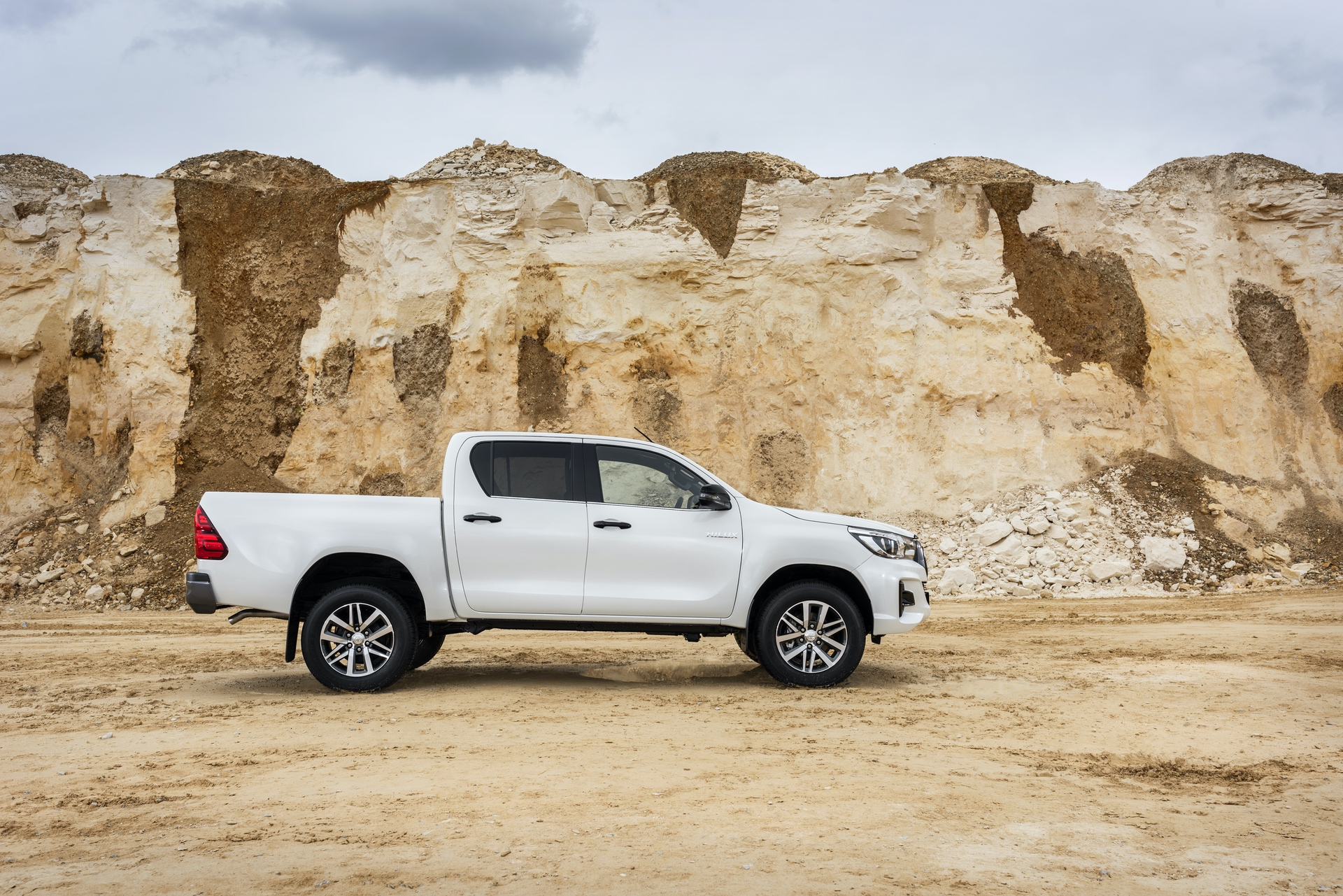 Toyota_Hilux_Special_Edition_0034