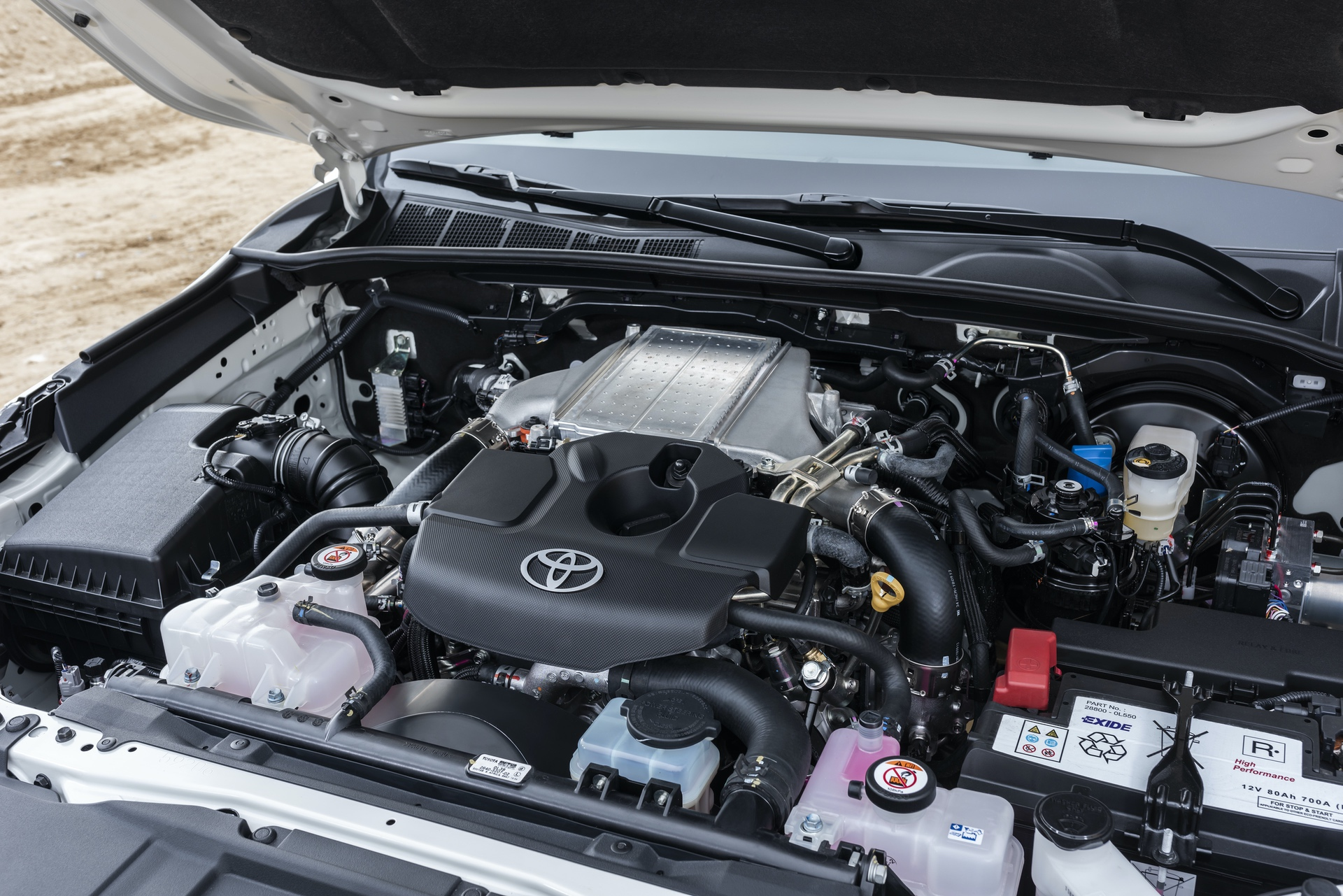 Toyota_Hilux_Special_Edition_0039