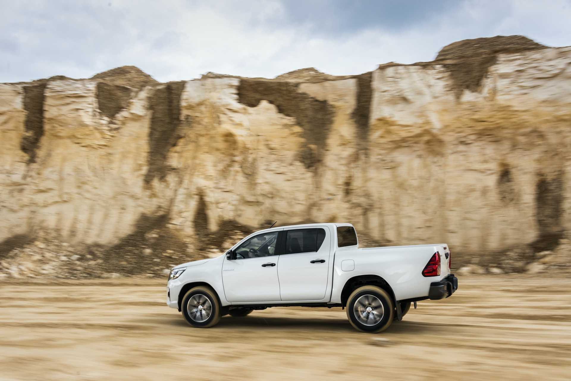 Toyota_Hilux_Special_Edition_0041