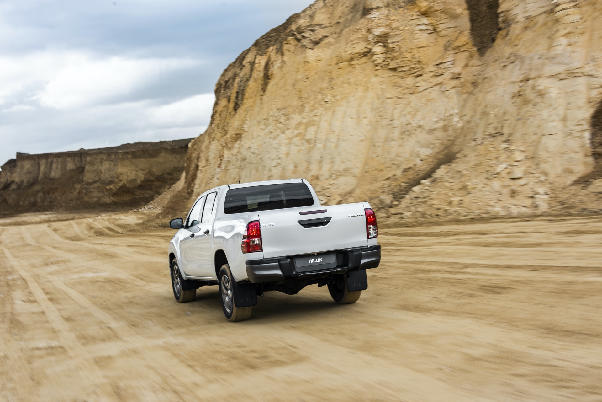 Toyota_Hilux_Special_Edition_0042