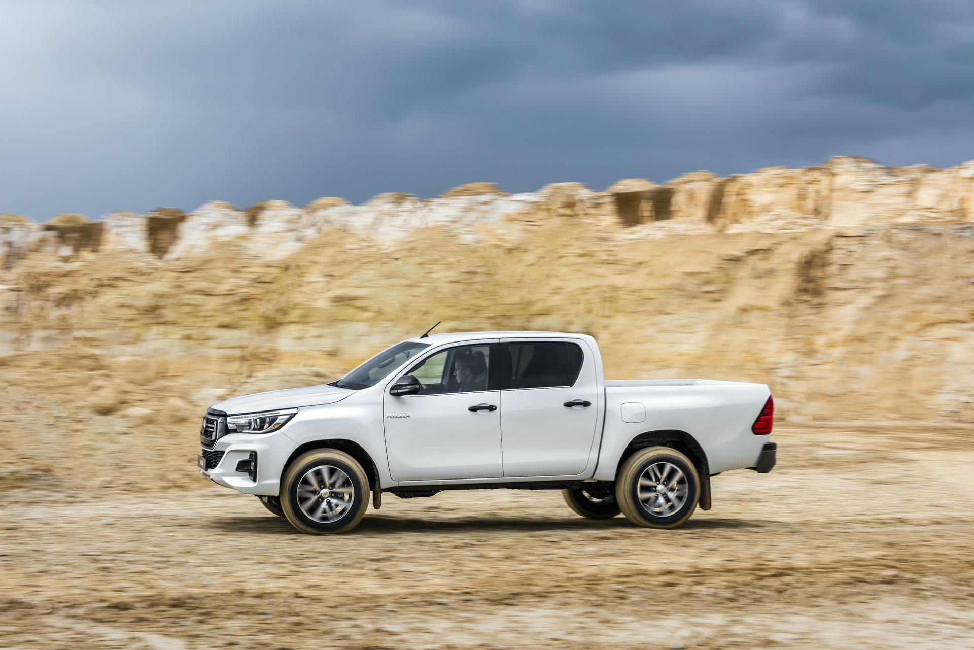 Toyota_Hilux_Special_Edition_0043