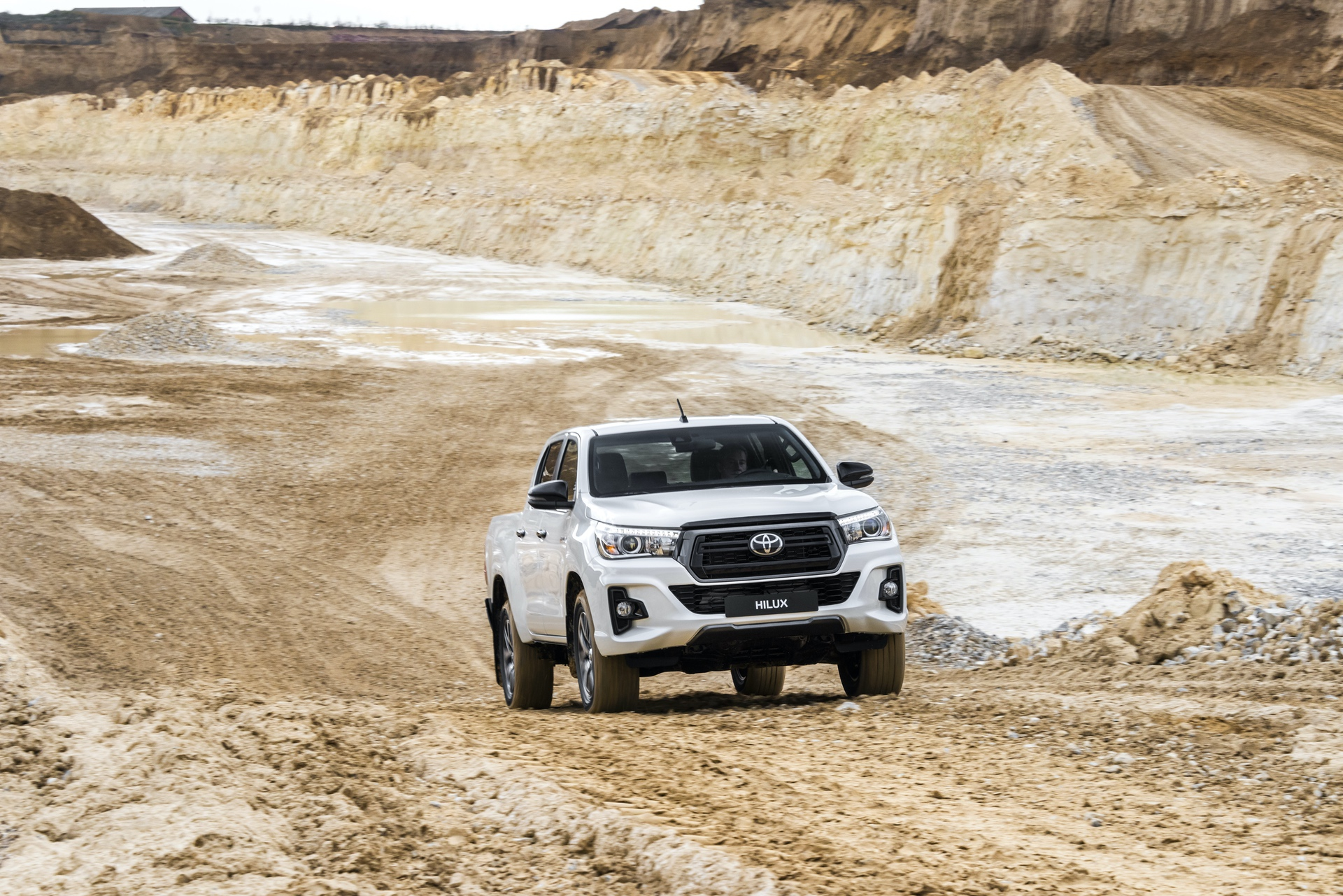 Toyota_Hilux_Special_Edition_0044